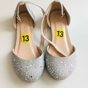 Kid's sparkly shoes